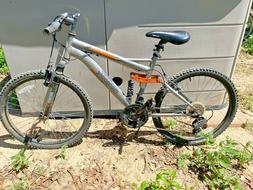 Mongoose Ledge 2.1 24 Inch 21-Speed Mountain Bike - Local Pi